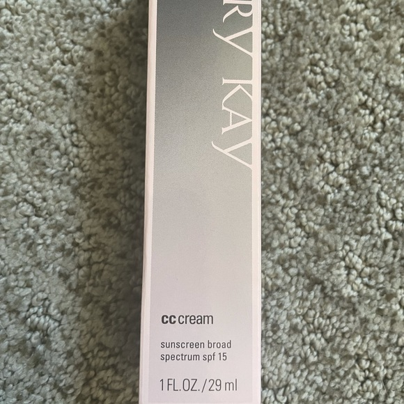 Mary Kay Call you right back Cream in Very Deep